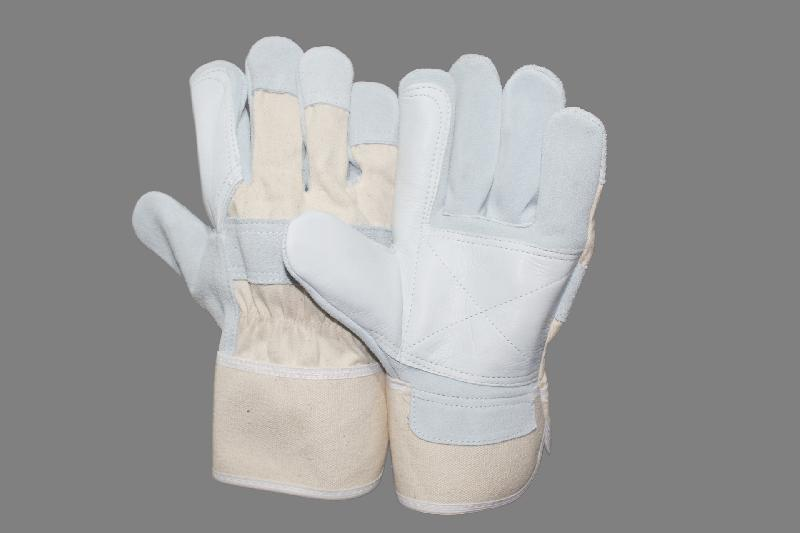 EW-CSCC32 Canadian Gloves