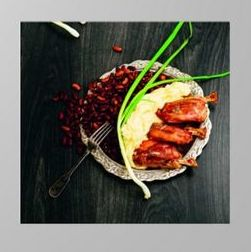 500g Pre-Cooked Piglet Shank 02