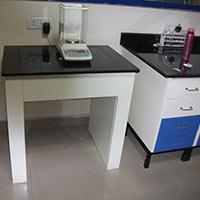 Anti Vibration Table  - 001