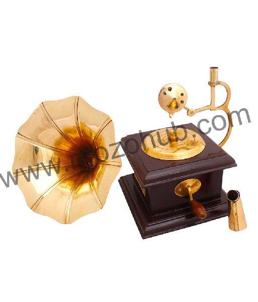 Brass Gramophone 03