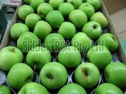 Fresh Golden Delicious Apples
