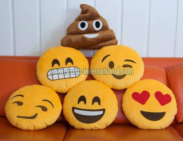 Emoji Pillow 04