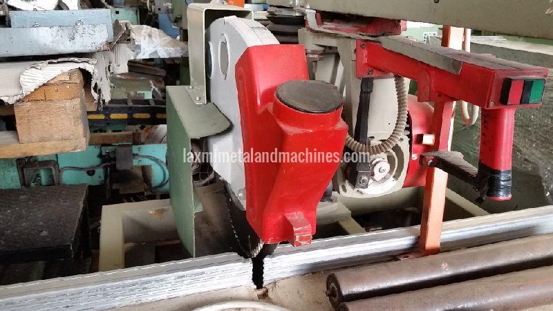 905 OMGA Radial Saw Machine 03