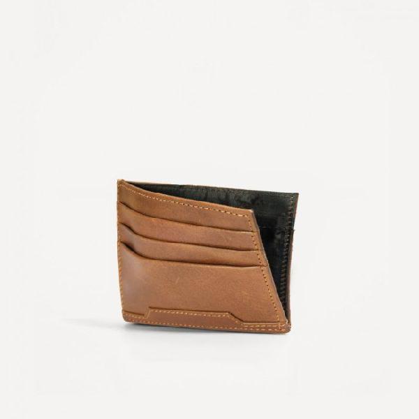 Newton Card Holder 01