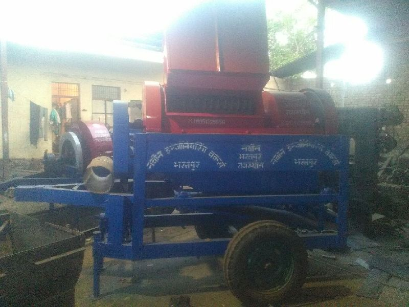 Multi Crop Cutter Thresher 01