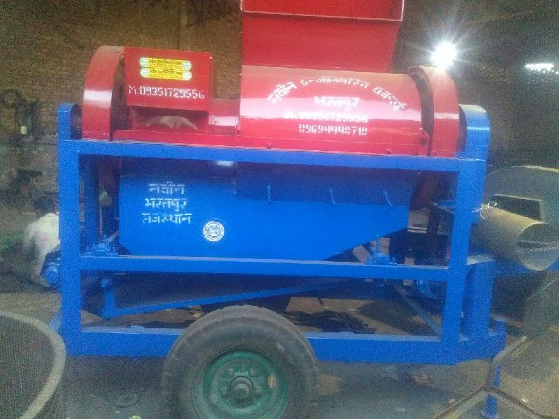 Multi Crop Cutter Thresher 03