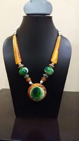 Stone Bead Pendant Necklace 02