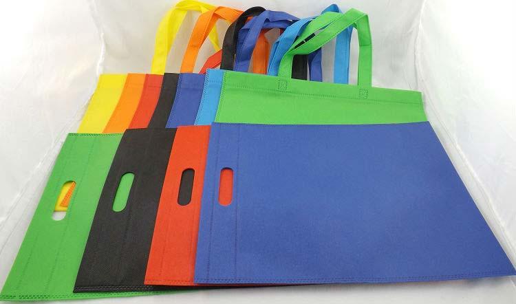 D Cut Non-Woven Carry Bags