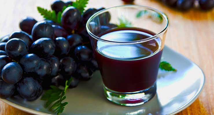 Black Grapes Juice