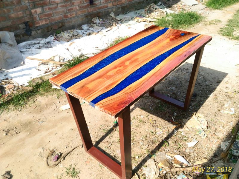 Epoxy River Table 04