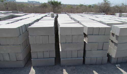 Cellular Lightweight Concrete Bricks 02