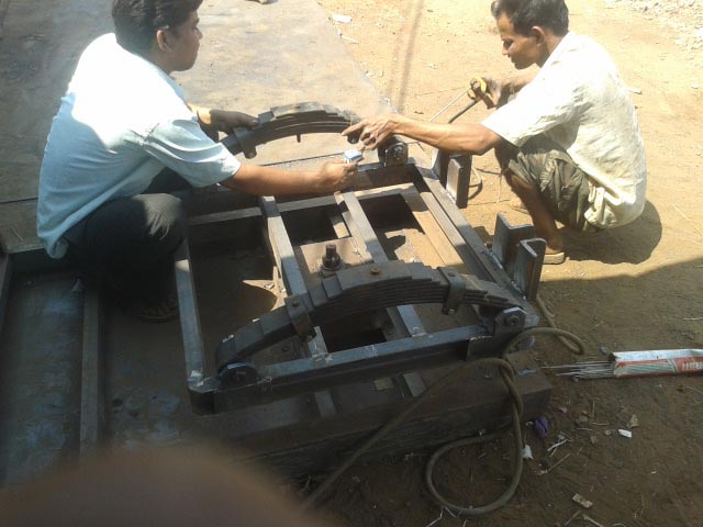 4 Wheel Trolley Axle fitting Process