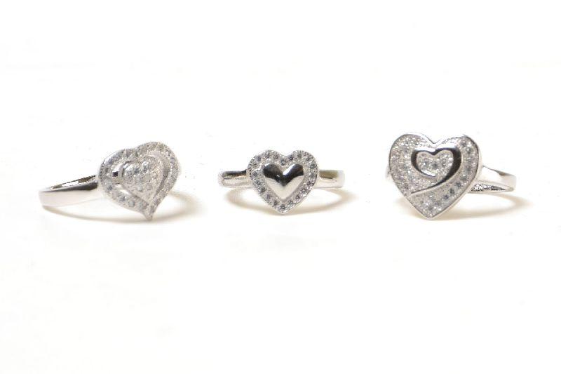 Silver Ladies Ring 01