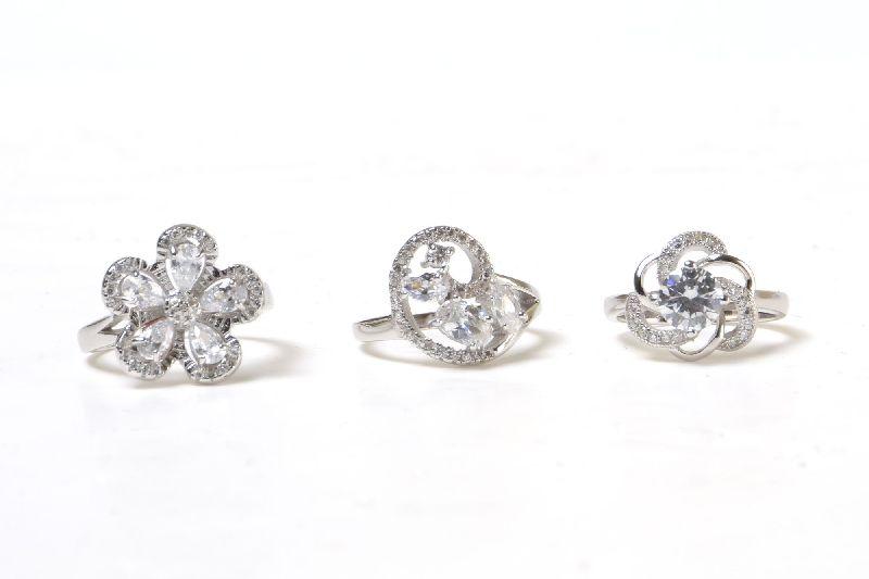 Silver Ladies Ring 02