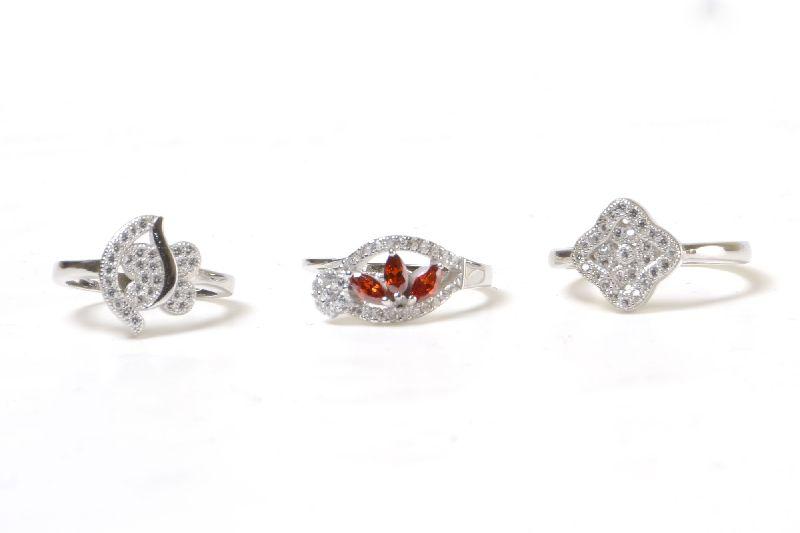 Silver Ladies Ring 03
