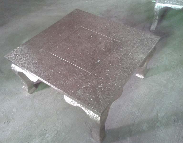 White Metal Embossed Coffee Table (NB-WMCFTL-104)
