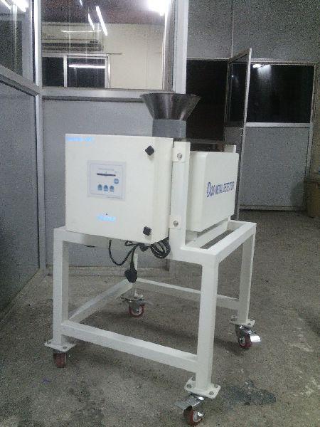 Free Flow Metal Detector