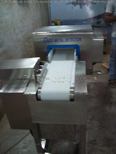 Metal inside metal pouch detector