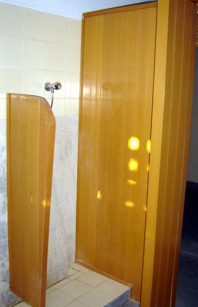 Bathroom Partition 003