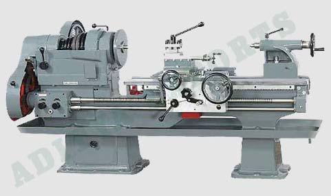 Heavy Duty Lathe Machine 02