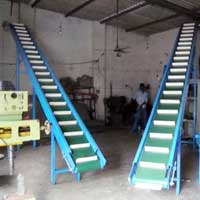 Inclined Gravity Roller Conveyor