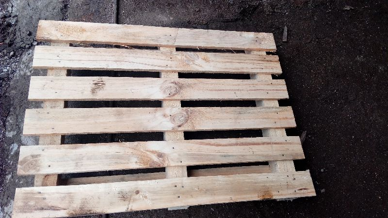 2 Way Wooden Pallet 02
