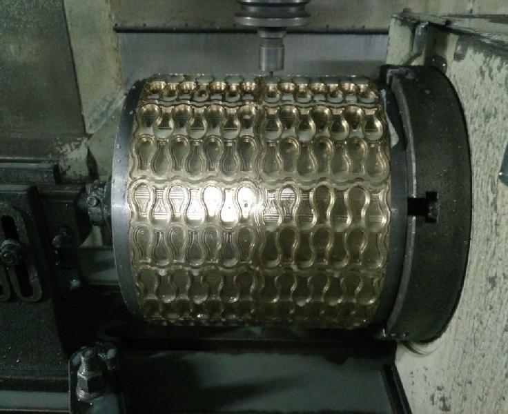 Fryums Cutting Rolls 02