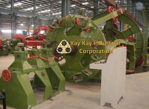 Core Laying Up Machine