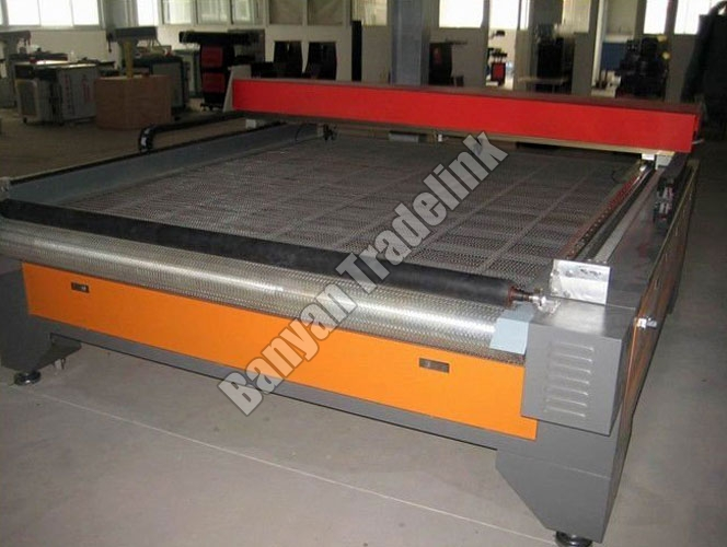 Semi Laser Cloth Cutting Machine