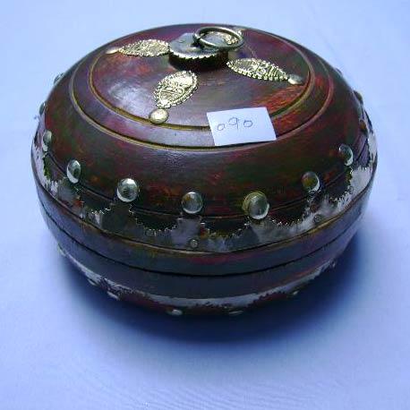 Horn and Bone Box (JB-197)