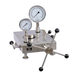 Pressure Gauge Comparison Pump