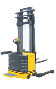Electric Stacker With Wide Leg