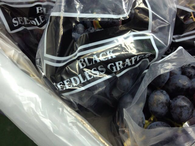 Fresh Grapes 06