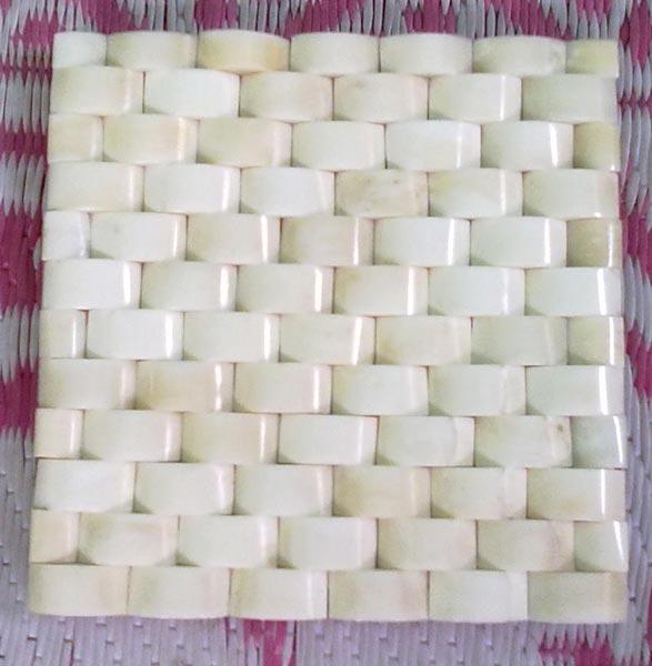 Horn & Bone Tile 04
