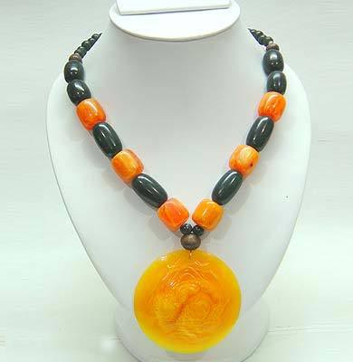 Resin Necklace 04