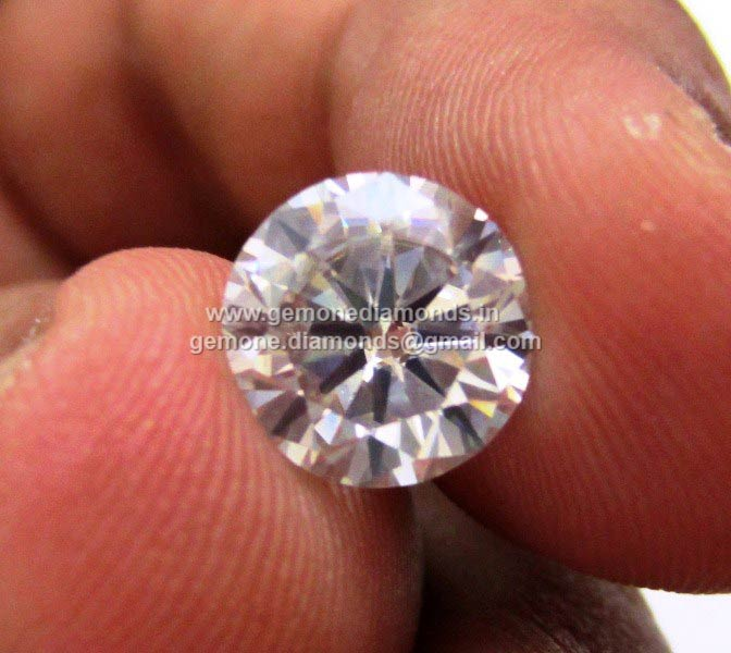 Round Brilliant Cut White Color Moissanite