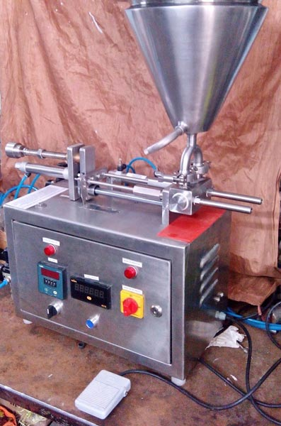 2 Head Syringe Filling Machine
