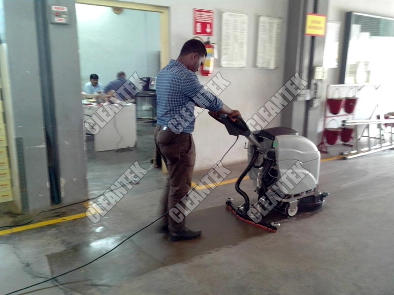 Floor cleaning Scrubber Drier