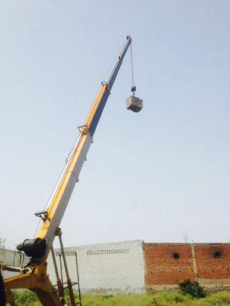 15 Ton Hydraulic Mobile Truck Crane 04