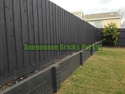 Planter Wall Fencing 03