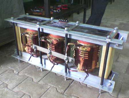 Three Phase to Single phase Transformer 04