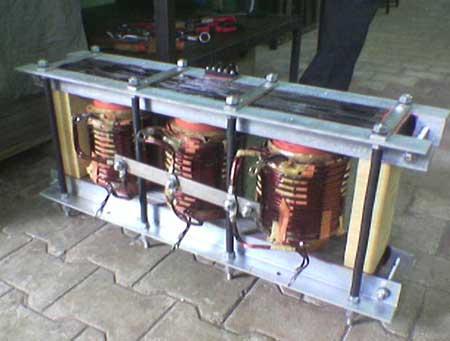 Three Phase to Single phase Transformer 04