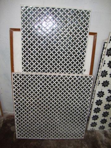 Thikri Glass Tile