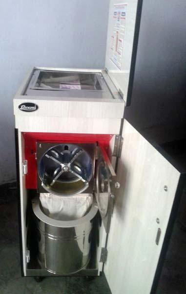 Laxmi Domestic Flour Mill (2 HP)