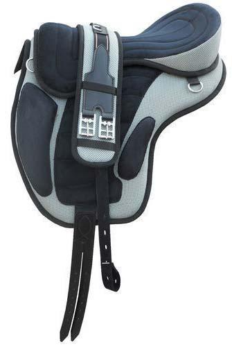 Treeless Horse Saddle 01