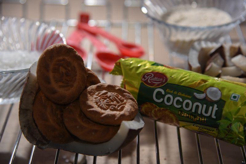 Coconut Delight Biscuits 02