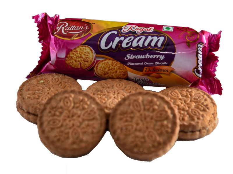 Royal Cream Strawberry Biscuits 02