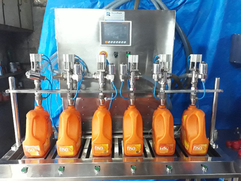Semi Automatic Liquid Filling Machine 02
