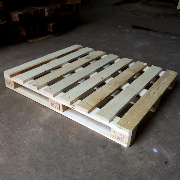 Pine Wood Pallet 04