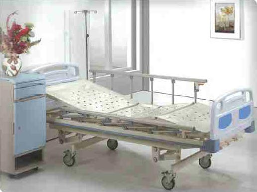 Three Crank Manual Medical Bed